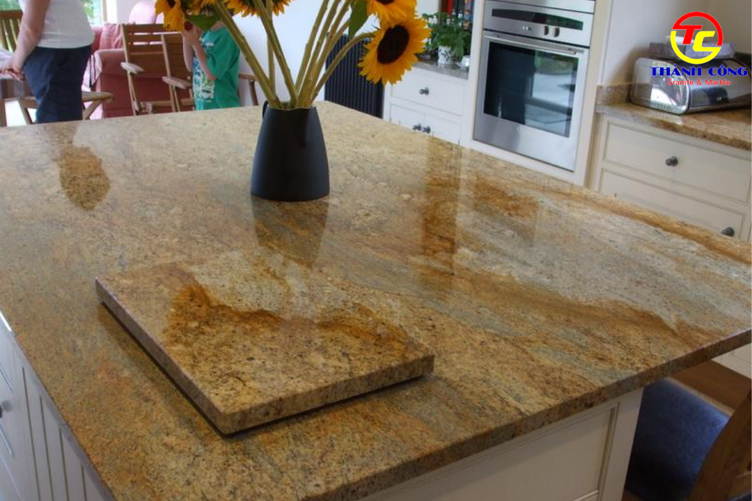 Bàn đá hoa cương Kassmeer Gold Granite